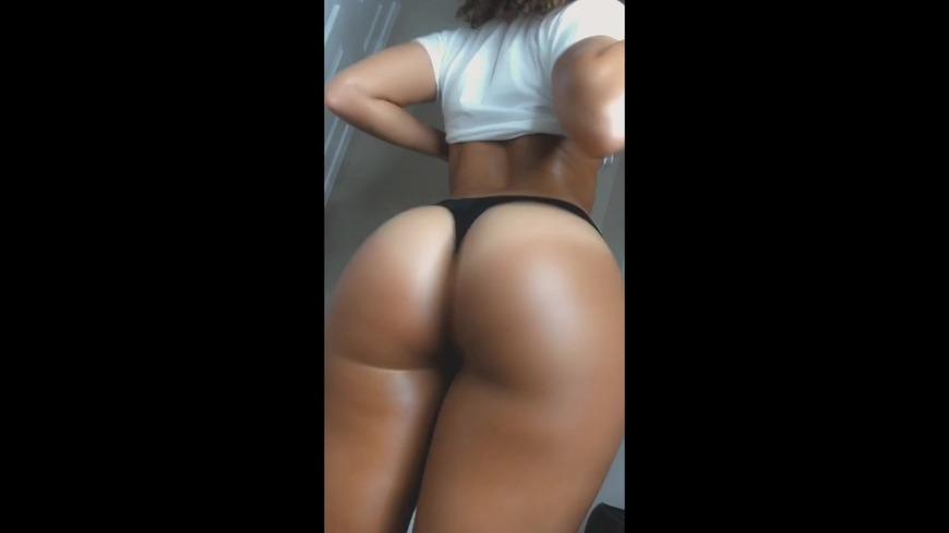 TWERK on da dick in SLO MO 😍💦💦💦💦💦💦  - clip cover-front
