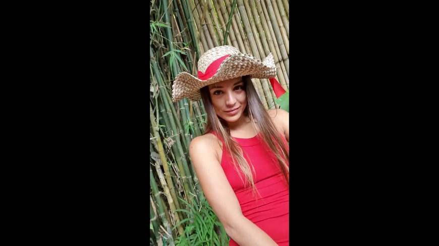 Dominika c red dress look - video cover